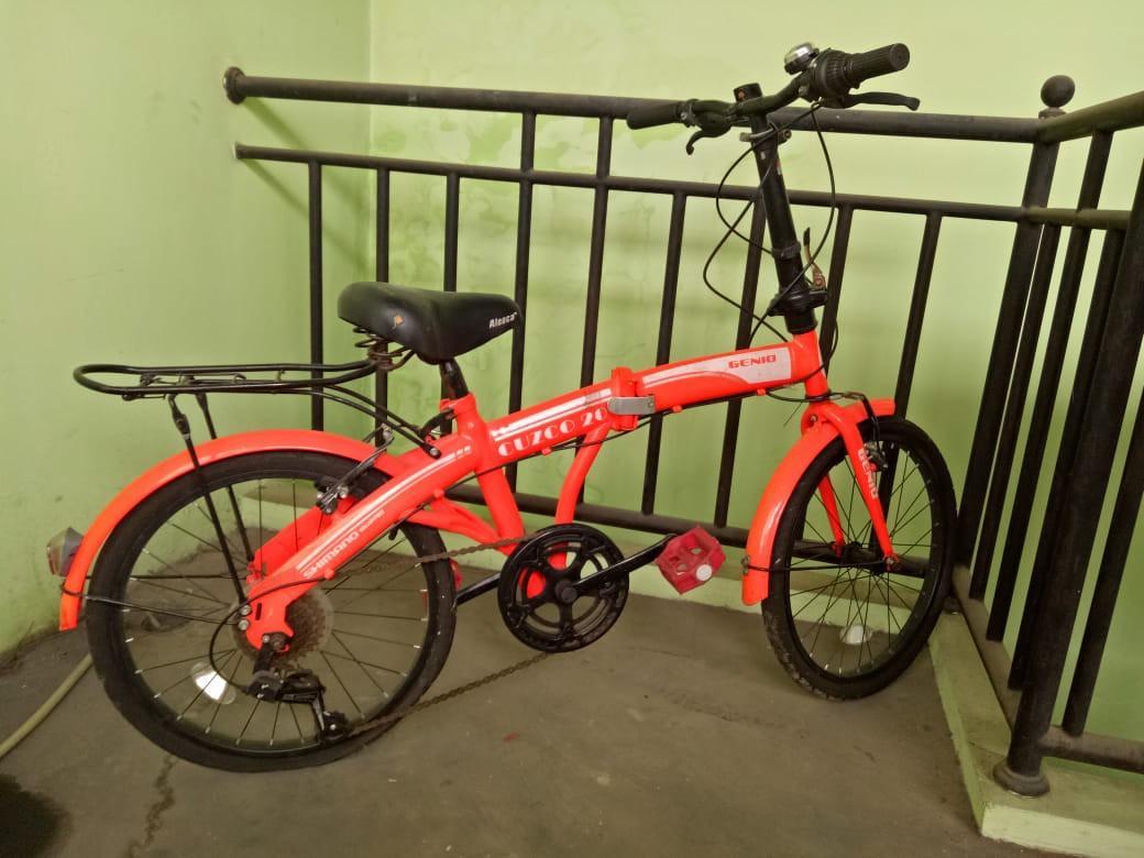 Sepeda Lipat merek genio merah