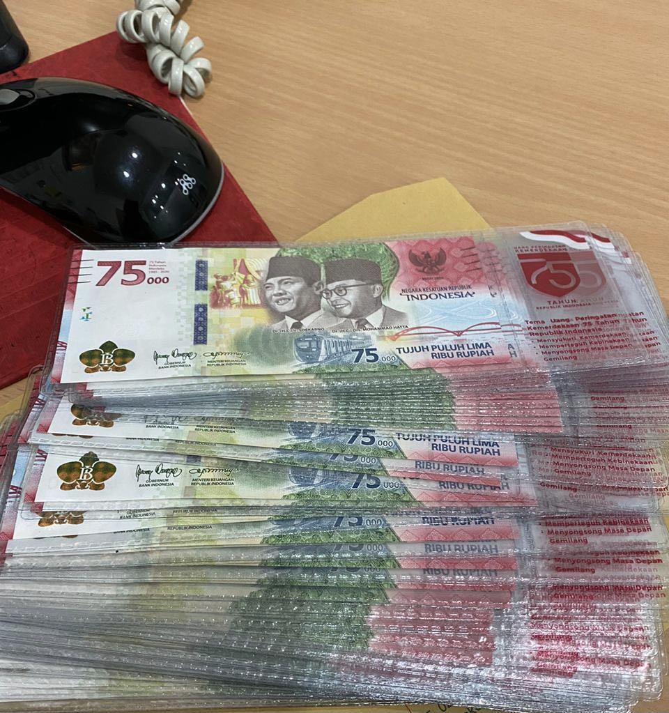 Uang kokeksi 75000 / Uang 75 ribu koleksi