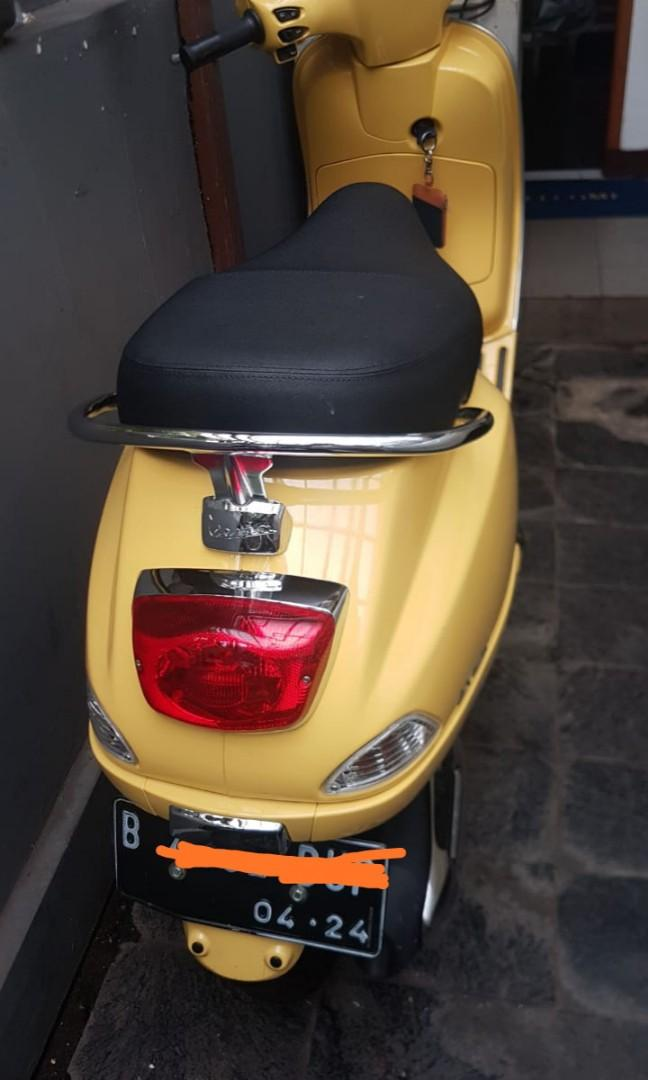 Vespa lx 125 yellow 2019