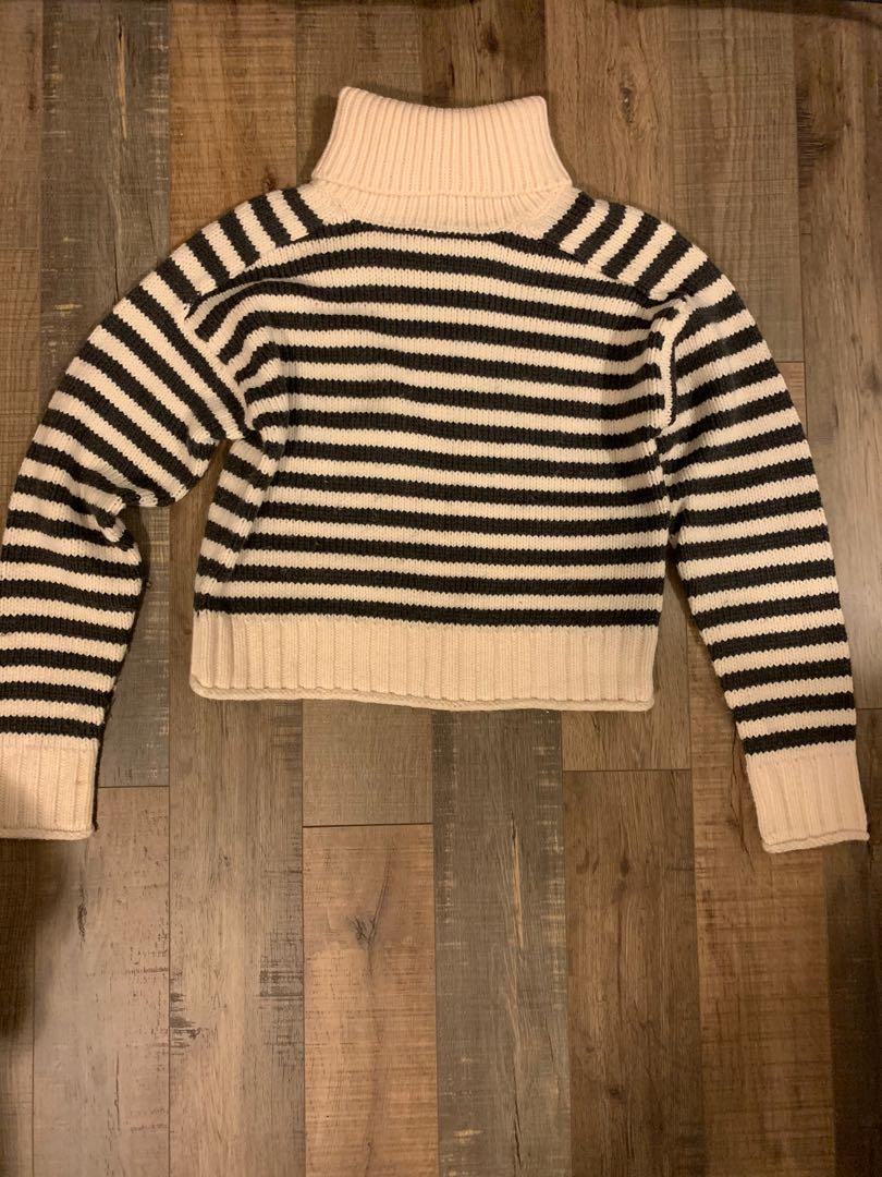 Zara Cropped turtleneck knit sweater