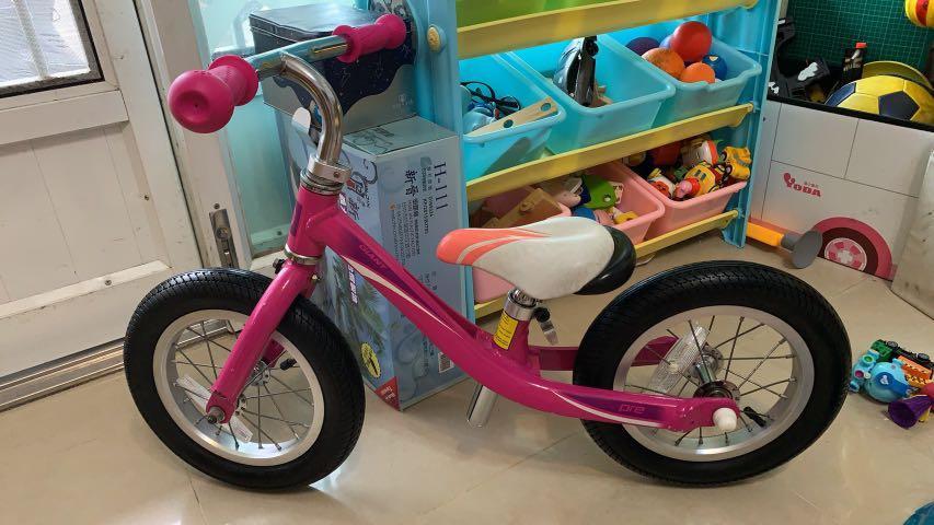 粉紅心 捷安特 滑步車