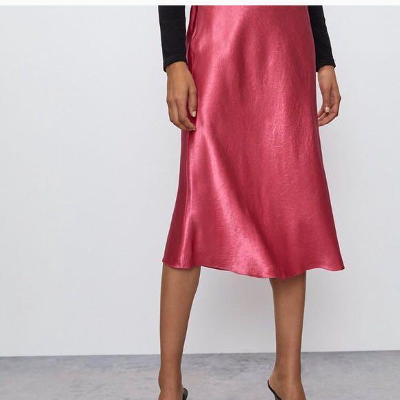 Aritzia Babaton Fuchsia Slip Skirt