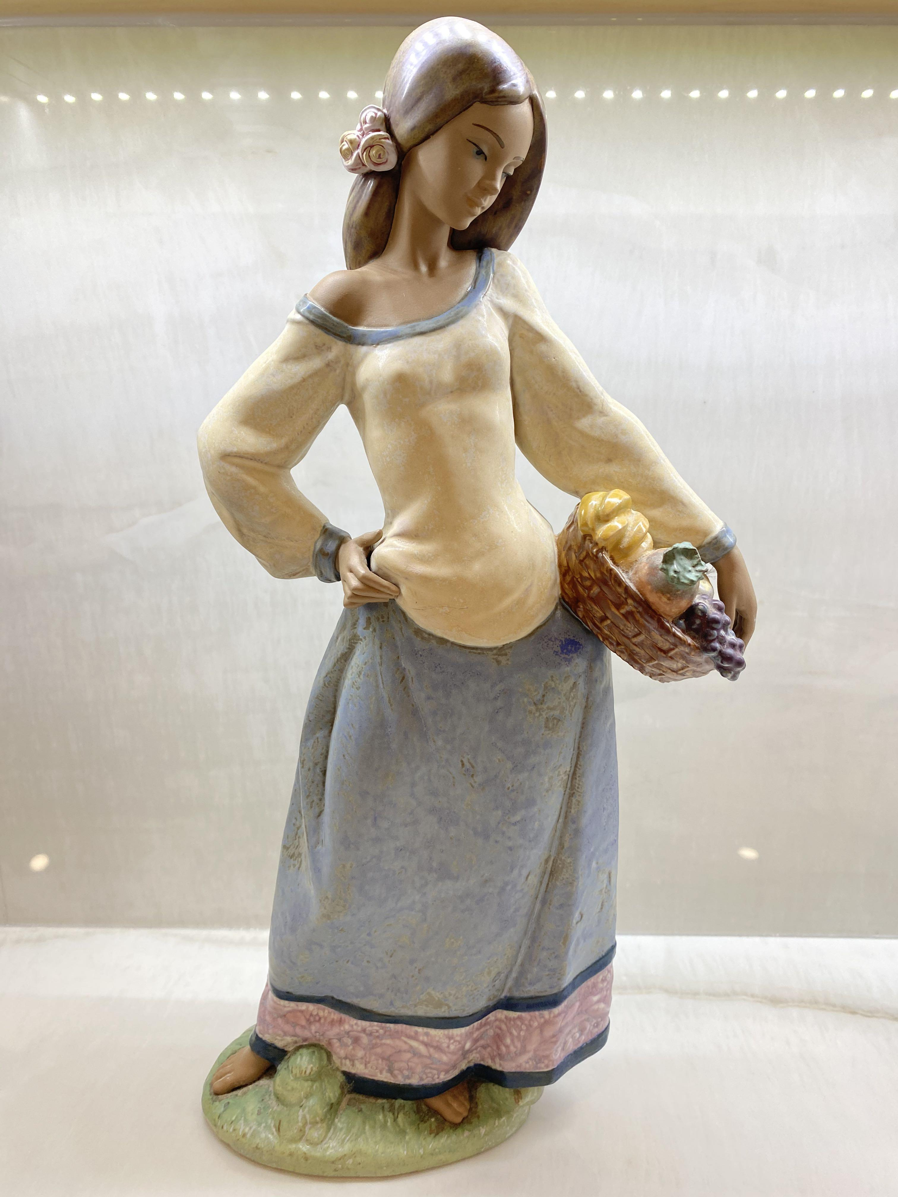 Authentic Lladro statue