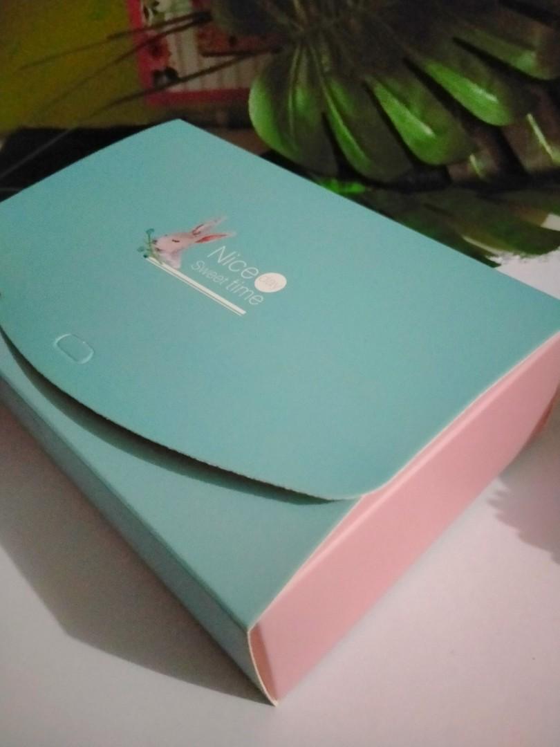 Box Packaging pastel - kotak dus