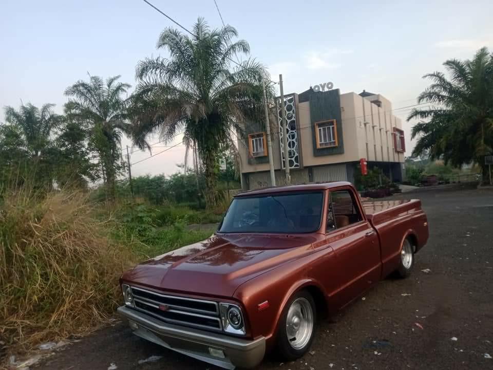 Chevrolet C10 V8