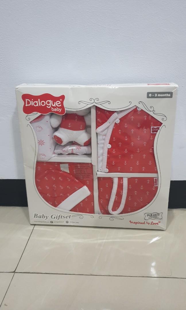 Dialogue Baby Gift Set