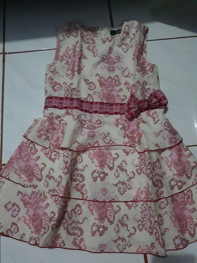 Dress dan Atasan Batik Perempuan