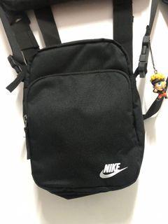 Nike 小包