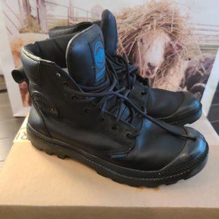 Palladium winter boots 7.5-8