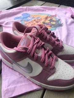 Pink dunks