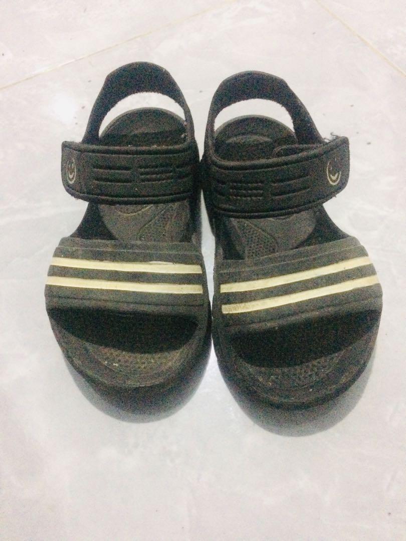 Sandal tali anak karet