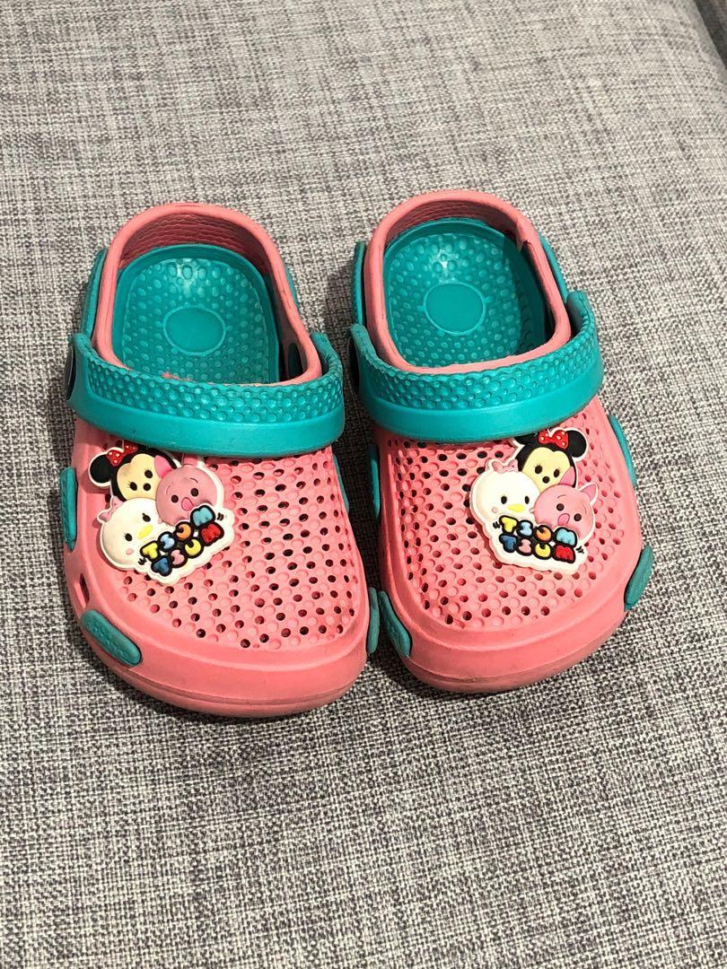 Sendal dan sepatu anak