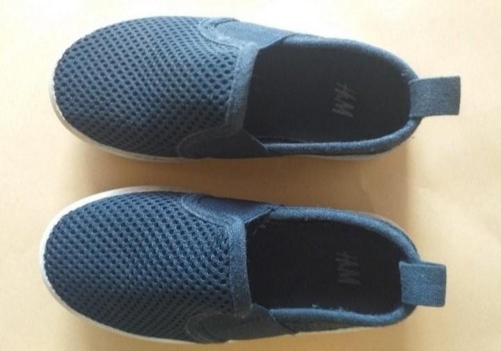 Sepatu H&M Kids
