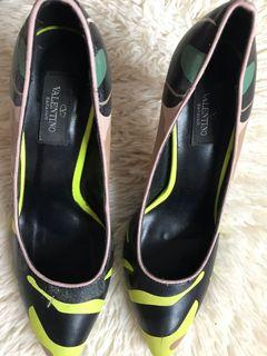 🛍 Clearance: Valentino Pumps