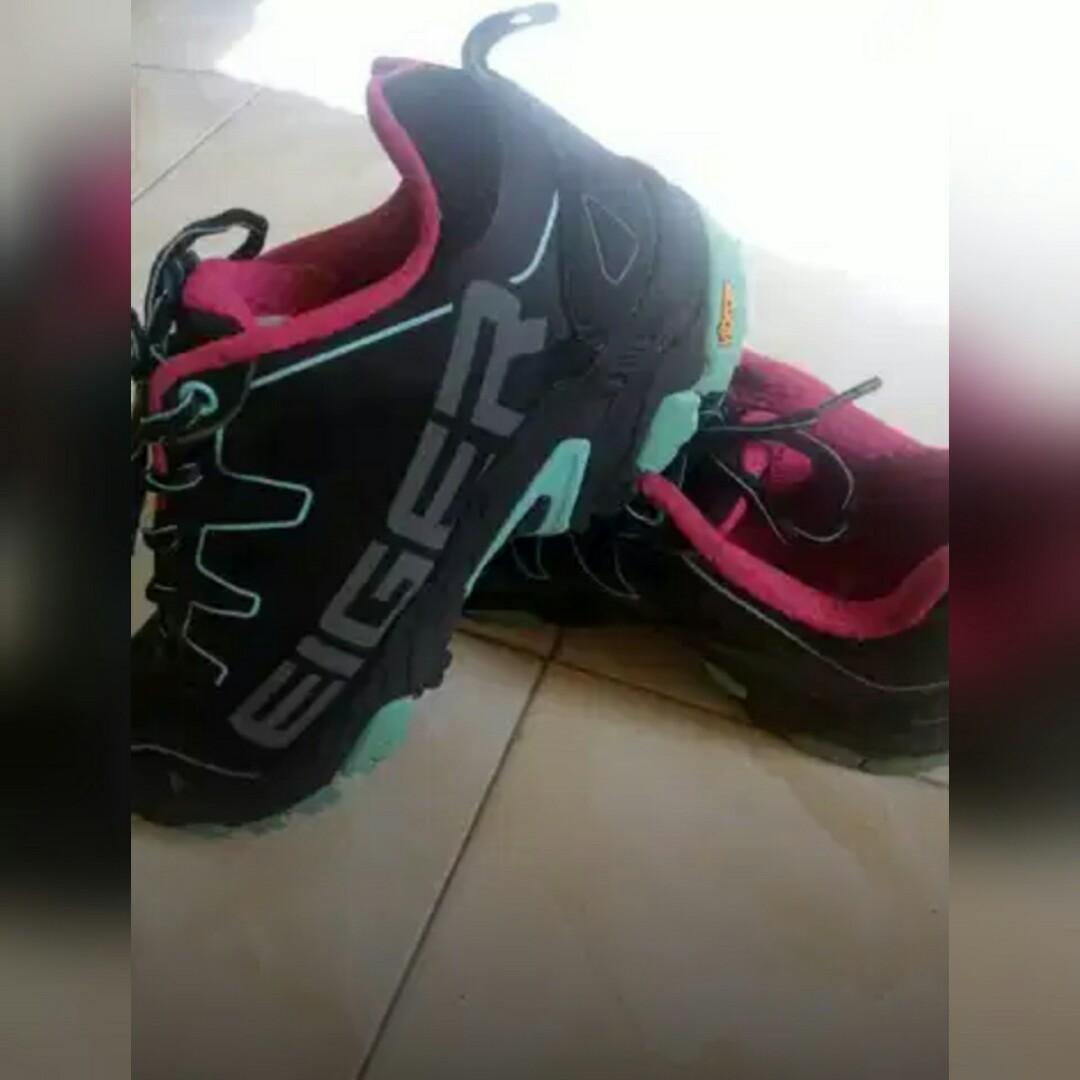 Eiger pulse trail run shoes ukuran 40