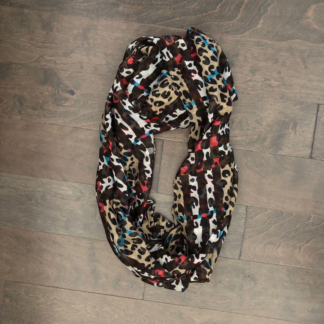 Light Infinity Scarf