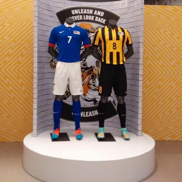 Malaysia 2014 Player issue Home Away Kit