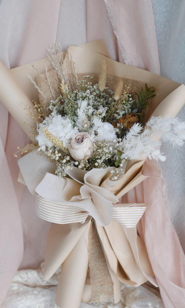 Preserved Flowers White Rose Hydrangeas Bouquet Dried Flowers Bridal Free Delivery 永生花 Gardening Flowers Bouquets On Carousell