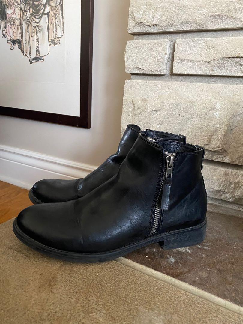 Steve Maddens Chelsea boots