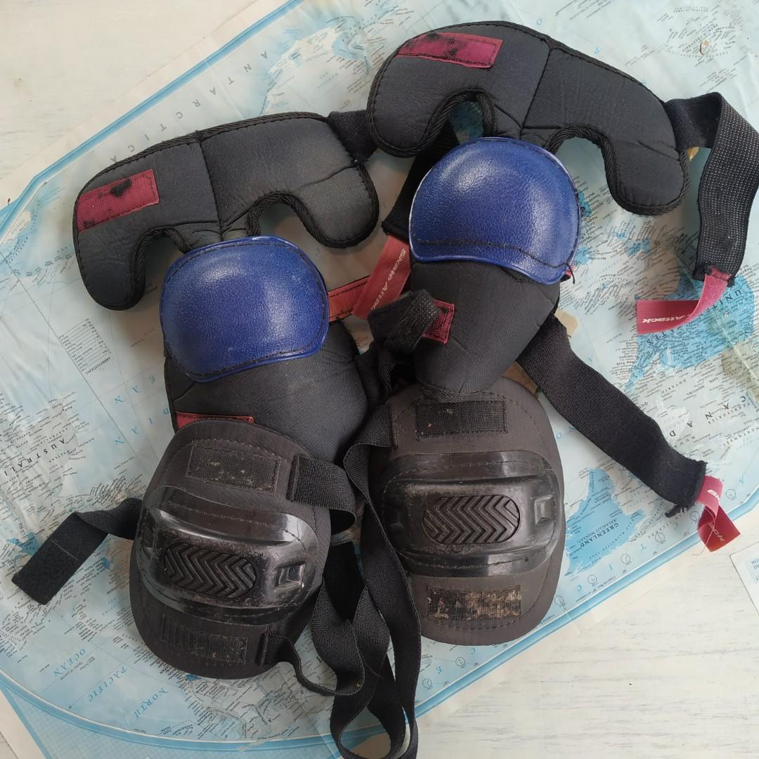 Elbow pads and knee pads (1 pair each)