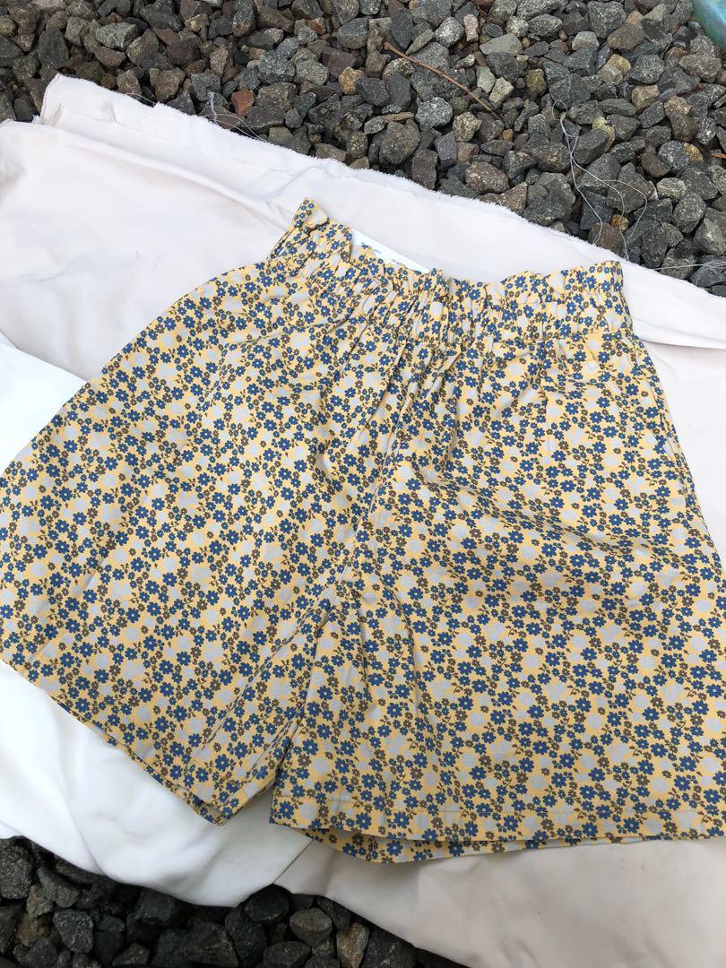 Floral Skirt / Celana floral/celana tidur by unqilo kids