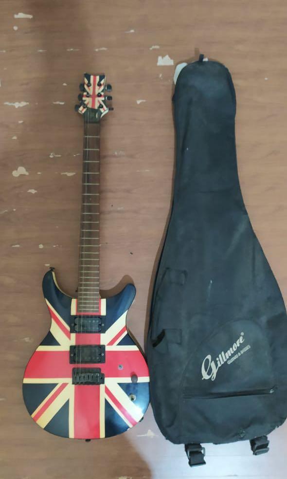 Gitar listrik custom
