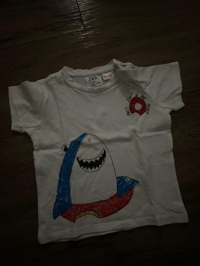 Kaos anak ikan hiu