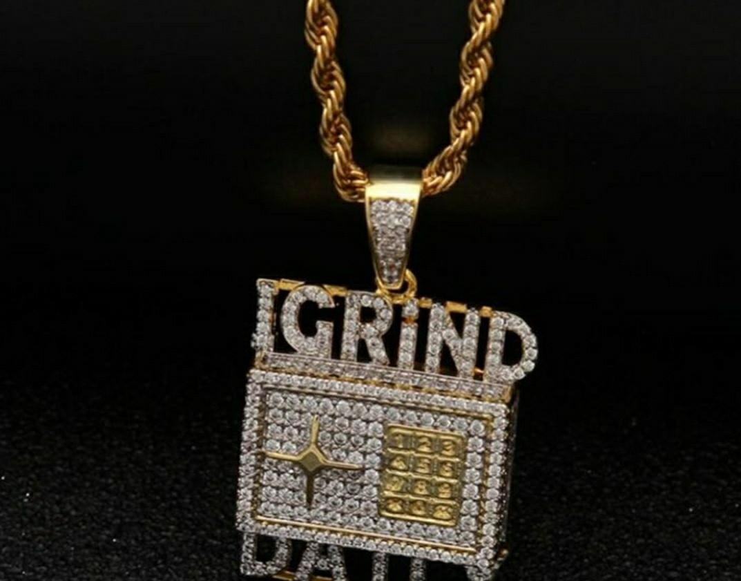 NEW GOLD AND DIAMOND PENDANT AND CHAIN GOLD PLATED AND CHAIN ONLY $70!
