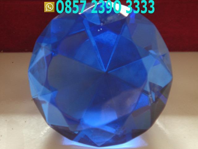 Segidelapan Biru Kaca Sangat Indah TLX1051