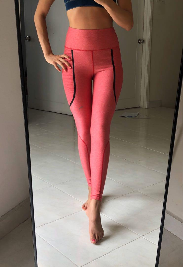Size S - Puma Highwaisted Fiery Red sport legging