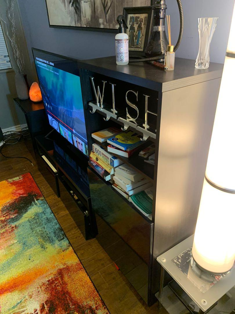 TV STAND in perfect condition no scratches