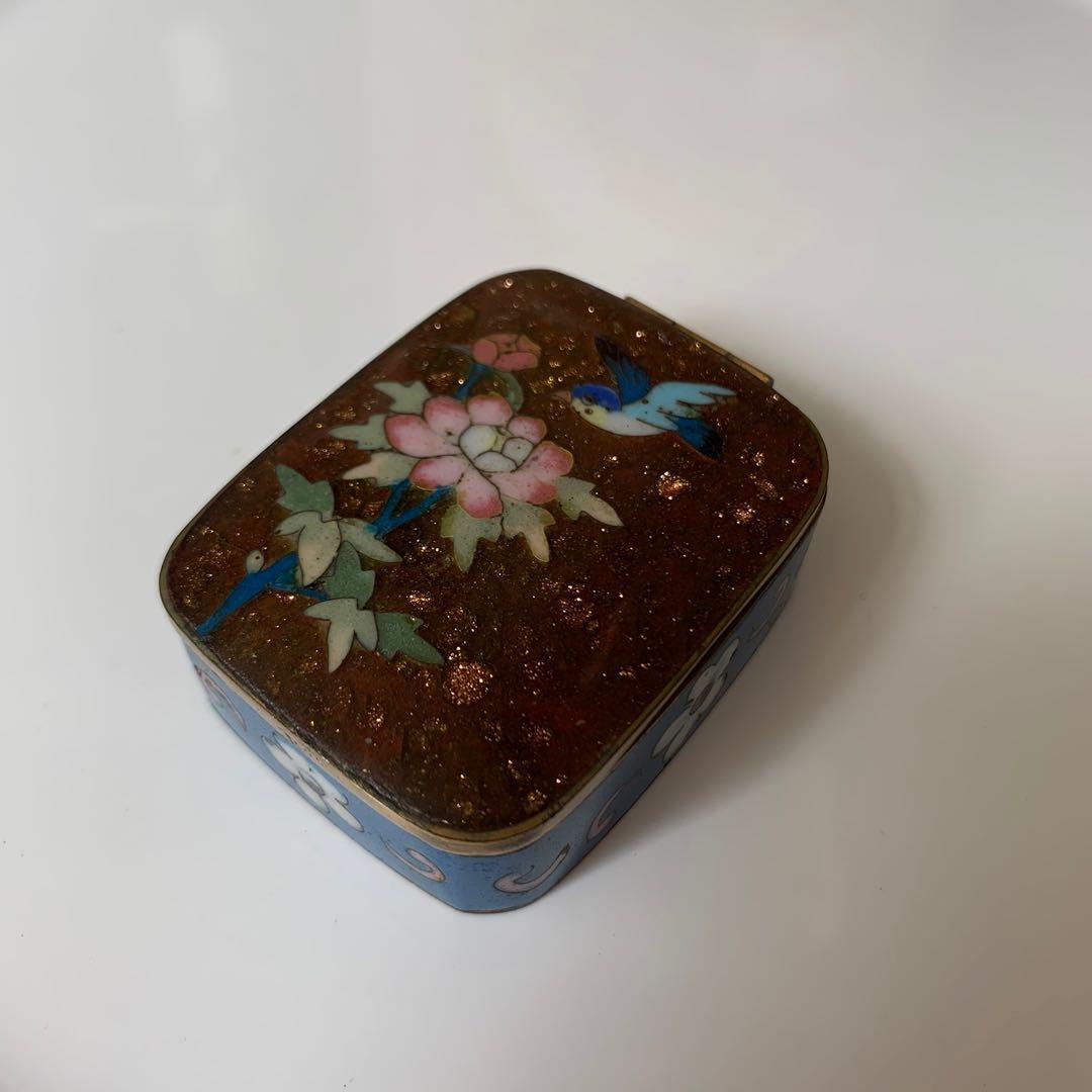 古物 花朵鳥兒藍色銅胎景泰藍 珐瑯盒
