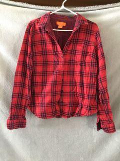 Black and red plaid shirt - size large