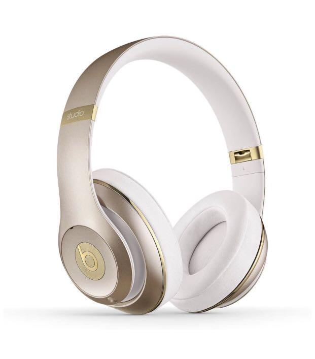 Brand new in sealed box Beats Studio 3 Wireless Over-Ear Headphone -Gold