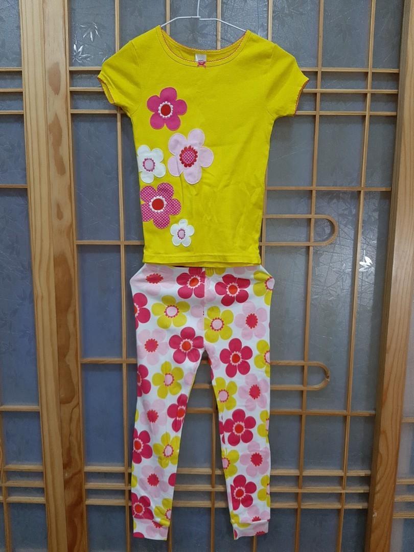 近全新carter`s 5歲女童棉質套裝