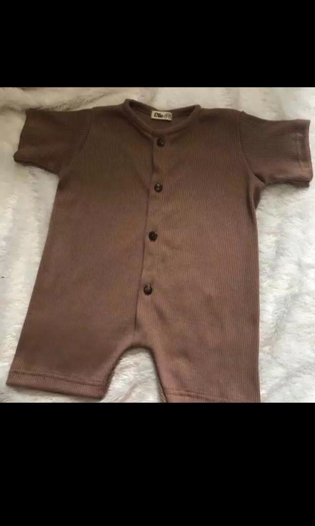 Casual Ropper Bayi dapat 3 baju Ukuran S (0-6 bulan)