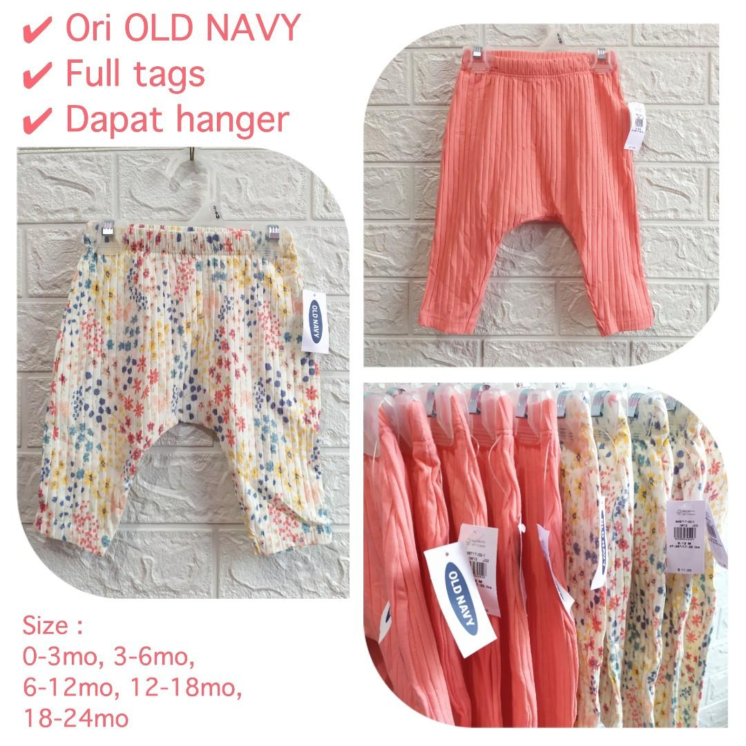 Celana Bayi OLD NAVY free  hanger