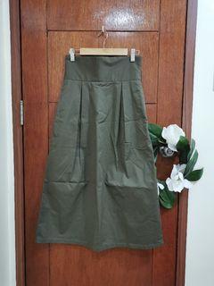 GU Olive Midi Skirt (garterized)