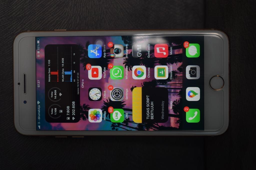 iphone 8plus 64gb gold nego