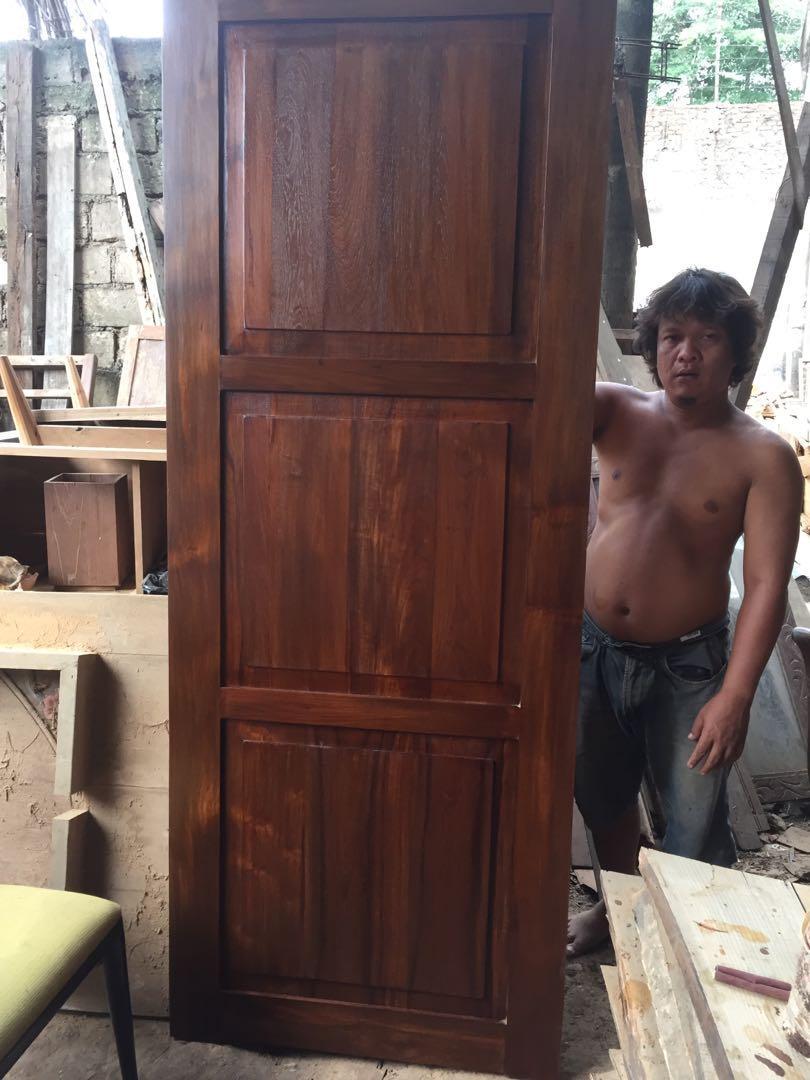 Pintu kayu jati
