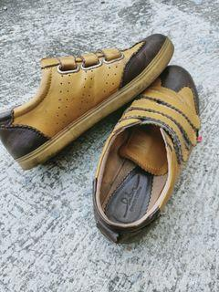 Preloved serlium shoes size 39