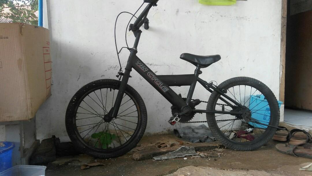Sepeda BMX