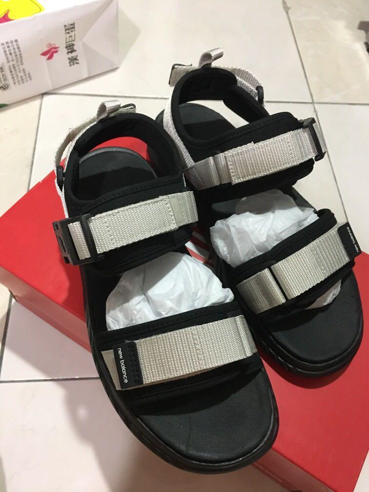 New balance 米白涼鞋