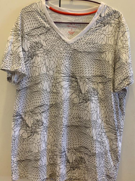 # 換季 Armani exchange  白色幾何塗鴉T恤