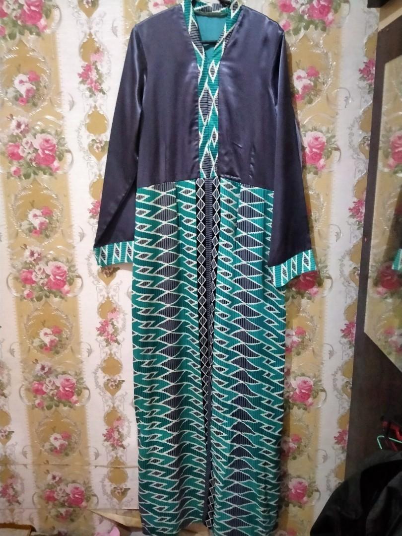 Baju gamis maxmara motif batik.