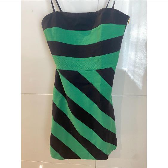 BCBGMAXAZRIA Size 4 Casual Dress