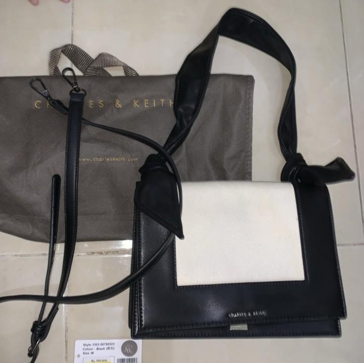 Black White Hand bag