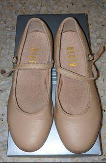 tap shoes   Babies \u0026 Kids   Carousell