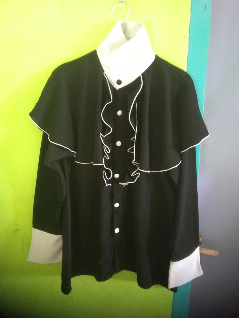 Blouse cape