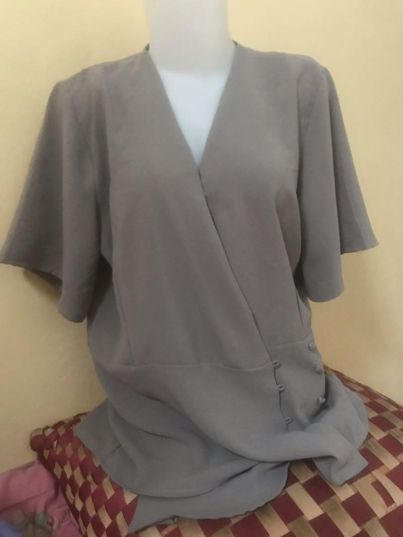 Blouse grey the executive